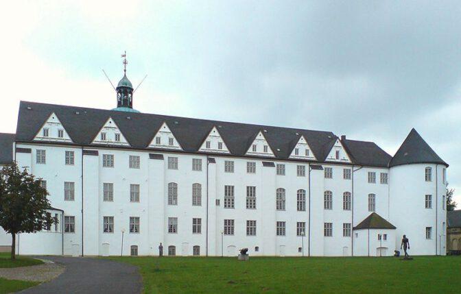 Gartenfassade des Nordflügels von Schloss Gottorf (rechts der Schlachtertum) / Foto: Wikipedia / PodracerHH / CC-BY-SA 3.0
