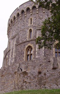 Soll mittelalterlich aussehen: Der Round Tower aus der Nähe / Foto: gemeinfrei