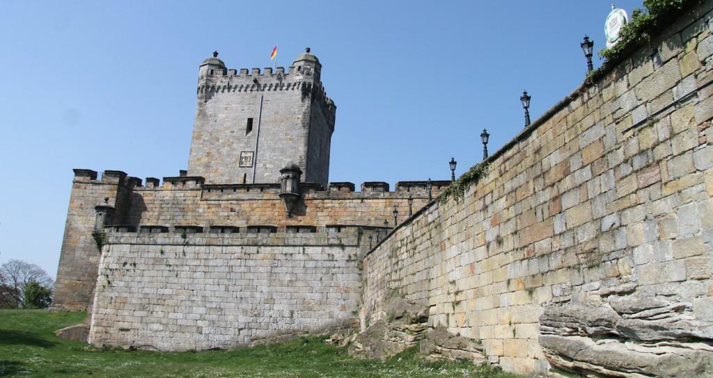 Mauern prägen das Bild von Burg Bentheim