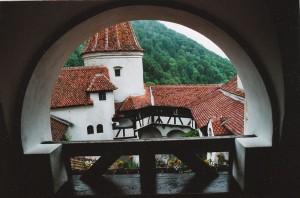 Der Innenhof von Schloss Bran / Foto: Wikipedia / Hermetiker