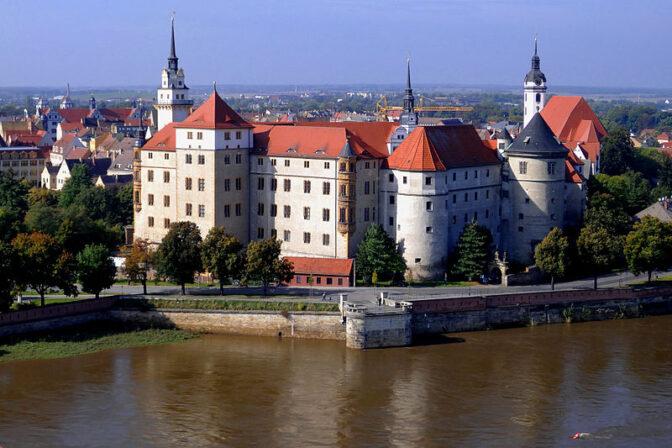 Schloss Hartenfels in Torgau / Foto: Wikipedia / Zeppelubil / Th. Haft / CC BY 3.0 DE