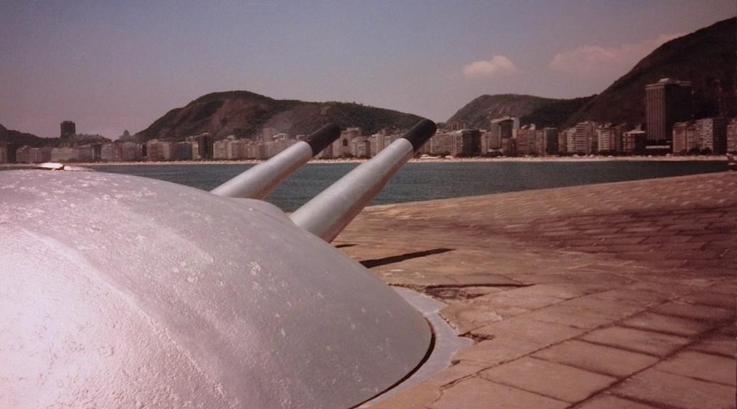 Die Kanonen des Forts Copacabana