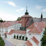 Varel: Auf dem Schlossplatz wird gebuddelt