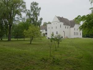 Südseite von Schloss Klevenow
