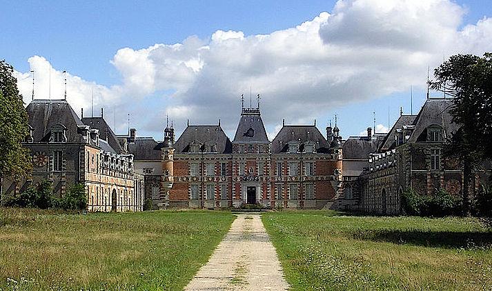 Chateau de Clermont: Standort des Louis de Funes-Museums / Foto: Wikipedia / Jibi44 / CC-BY 2.5