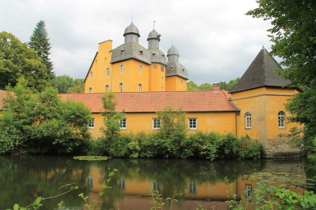 Schloss Holte und der Teich