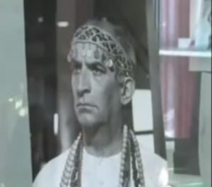 Das Museum erinnert mit vielen Fotos an den genialen Komiker / Screenshot Youtube