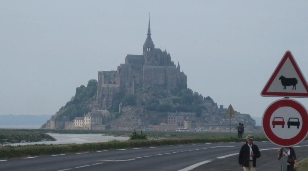 Bisher führte diese Damm-Straße zum Mont St. Michel / Fotos: Burgerbe.de