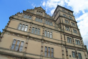 Schloss Brake: Blick hinaus zum Wohnturm von Graf Simon