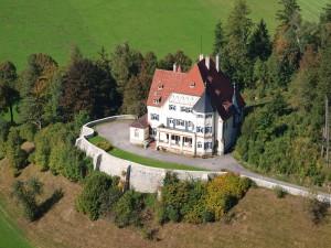 Schloss Bullachberg: Die Lage reizte Porche zum Kauf / Foto: Wikipedia / Wolkenkratzer / CC BY-SA 3.0