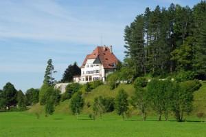 Schloss Bullachberg im Allgäu - 70 Jahre lang Wohnsitz eines Prinzen von Thurn und Taxis / Foto: Wikipedia / K-H Lipp / CC-BY-SA-2.0