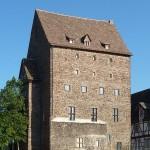 Wo gibt's die Burg für 1 Euro? In Beverungen