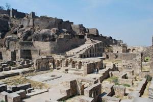 Golconda: Die Ruinen einer der Festungen / Foto: Wikipedia / Sanyam Bahga / CC-BY-SA 3.0