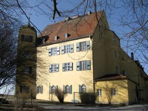 Schloss Leutstetten im Krieg: Kaum ausgebaut, schon konfiziert / Foto: Wikipedia / Gras-Ober / CC-BY-SA 2.5