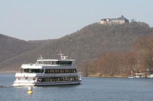 Schloss Waldeck thront 220 Meter über dem Edersee / Foto: Wikipedia / Ot / CC-BY-CA 3.0