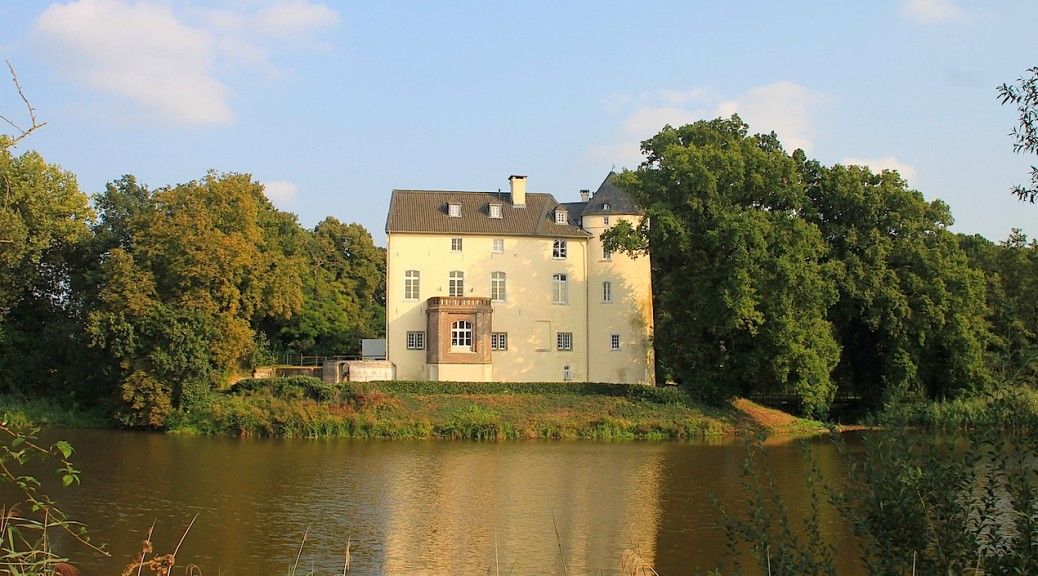 Burg Boetzelaer im niederrheinischen Appeldoorn / Fotos: Burgerbe.de
