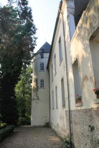 Burg Boetzelaer: Die Fassade strahlt wieder Weiß