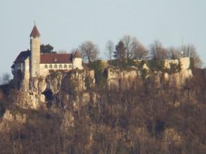 Unter Burg Teck geht es steil abwärts: Für Kletter ein Paradies / Foto: Wikipedia / Mer-Kun / CC-BY-SA 3.0