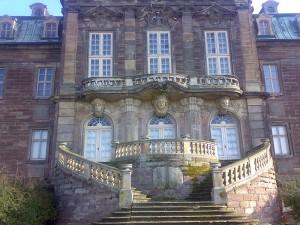 """Portal von Schloss Burgscheidungen: Bald auch im Kino bei """"Der Nanny"""" zu sehen / Foto: Wikipedia / Jener13 / CC-BY-SA 3.0"""