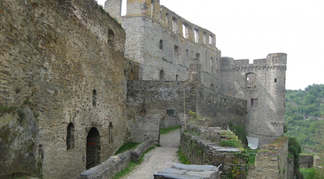 Burg Rheinfels war eine der größten Barockfestungen Europas / Fotos: Burgerbe.de