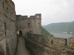 Teile der Mauern wurden 1938 wieder aufgebaut.