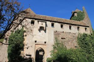 Der Eingang zum Inneren Schlossbereich von Runkelstein / Runcolo