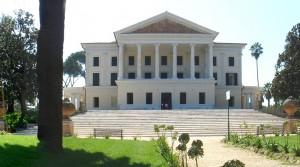 Drunter ist der Bunker: Casino Nobile im Park Villa Torloni in Rom / Foto: Wikipedia / Villa Torlonia 01302-4 modified / CC-BY-SA 3.0