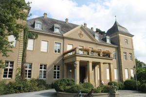 Erkennen Sie es wieder? Schloss Garath aus dem Stromberg Streifen / Foto: Burgerbe.de