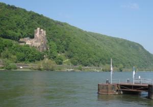 Burg Rheinstein: Tolle Lage am Fluss / Foto: Burgerbe.de