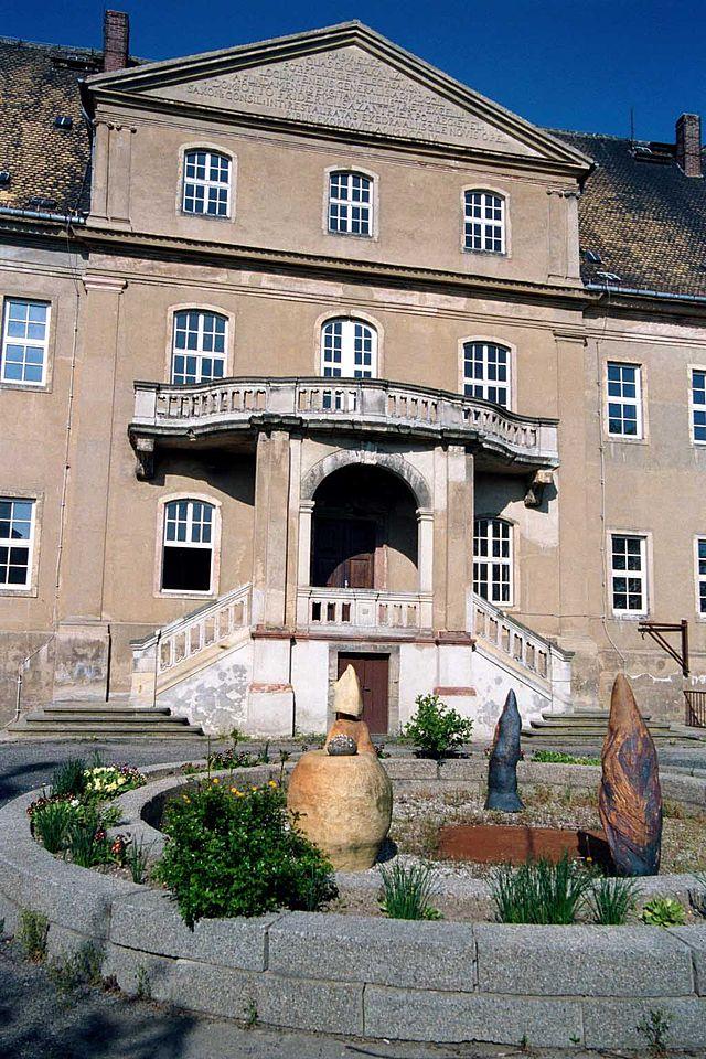 Portal von Schloss Mutzschen / Foto; Wikipedia / Stephzan Komp / CC-BY-SA 3.0