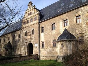 "Schloss Beichlingen: Lehnshaus mit ""kaltem Tor"" / Foto: Wikipedia / Peter Schmelzle / CC-BY-SA 3.0"