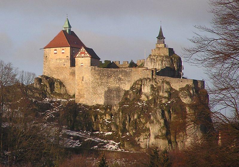 Burg Hohenstein in der Hersbrucker Alb / Foto: Wikipedia / Klaus M. (Mikmaq) / CC-BY-SA 3.0