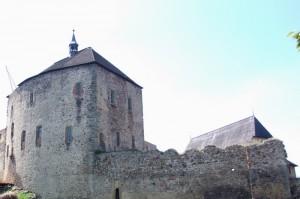 """Burg Tocnik in Tschechien: Drehort für """"Götz von Berlichingen"""" / Foto: Wikipedia / Harald Rossa / CC-BY-SA 2.5"""