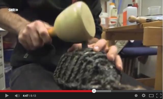 Forscher beim Rekonstruieren von Feuerballen / Bild: Screenshot YouTube