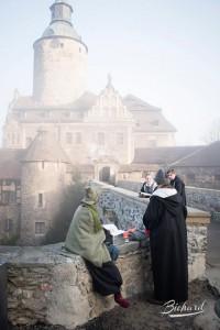 Zauberer vor der Burgkulisse / Foto: John-Paul Bichard