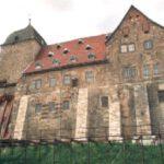 Runneburg: Stahlstützen werden nach 22 Jahren abgebaut