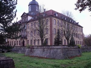 Schloss Friedrichswerth: Im Vordergrund eine der Bastionen / Foto: Wikipedia / Metilsteiner / CC-BA-SA 3.0