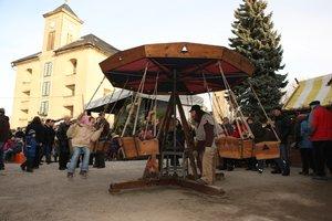 Zum Weihnachtsmarkt: Karussel auf Königstein / Urheber: Foto: Hagen König Copyright: Neuland Zeitreisen