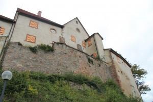 Der ursprüngliche Burg-Charakter ist noch gut zu sehen