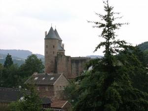 Die Bertradaburg ist vermutlich nach Karls Urgroßmutter Bertrada der Älteren benannt / Foto: Wikipedia / Túrelio / CC-BY-SA 2.5