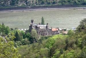 Burg Reichenstein am Rhein: Restaurant soll wieder öffnen / gemeinfrei