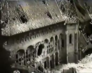 Erste Kriegsschäden auf der Marienburg im Frühjahr 1945 / Screenshot Youtbube (aus Deutsche Wochenschau 17. März 1945)