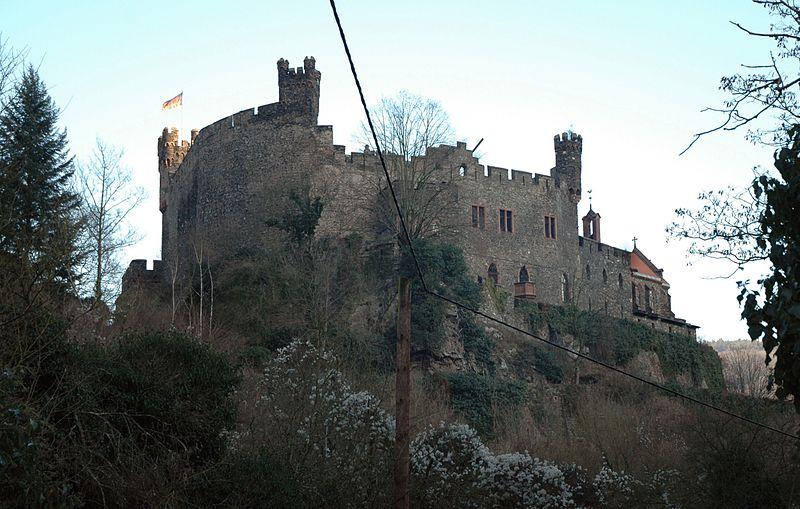 Burg Reichenstein: Blick von Westen / Foto: Wikipedia / Peter Weller / CC-BY-SA 3.0