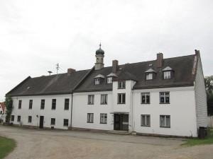 Auch der Südflügel von Schloss Ottenhofen soll abgerissen werden / Foto: Wikipedia / AHert / CC-BY-SA 3.0