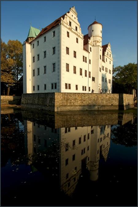 Das Wasserschloss Schönfeld / Foto: Wikipedia / Pallasathena / CC-BY-SA 3.0