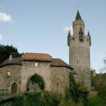 Burg Friedberg mit Adolfsturm, finanziert durch Geiselnahme