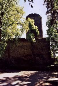 Nordseite der Burg Nordeck mit Bergfried / Foto: Wikipedia/MacElch (Rainer Kunze) / CC BY 3.0 DE