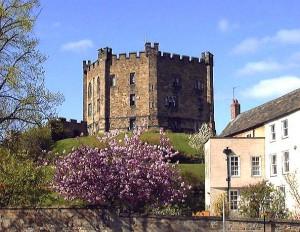 Welterbestätte: Der wiederaufgebaute Keep von Durham Castle / Foto: Robin Widdison / gemeinfrei