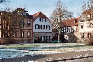 Das Burgareal ist durch viele Burgmannenhäuser geprägt / Foto: Wikipedia / Dguendel / CC-BY-SA 3,.0