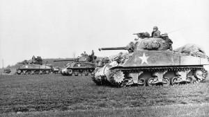 Zwei solche Sherman-Panzer kamen am Schloss zum Einsatz. Einer wurde abgeschossen / Bild: gemeinfrei